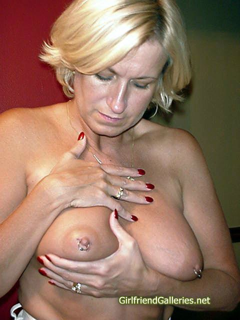 Small tits amateur pawns pussy and fuck