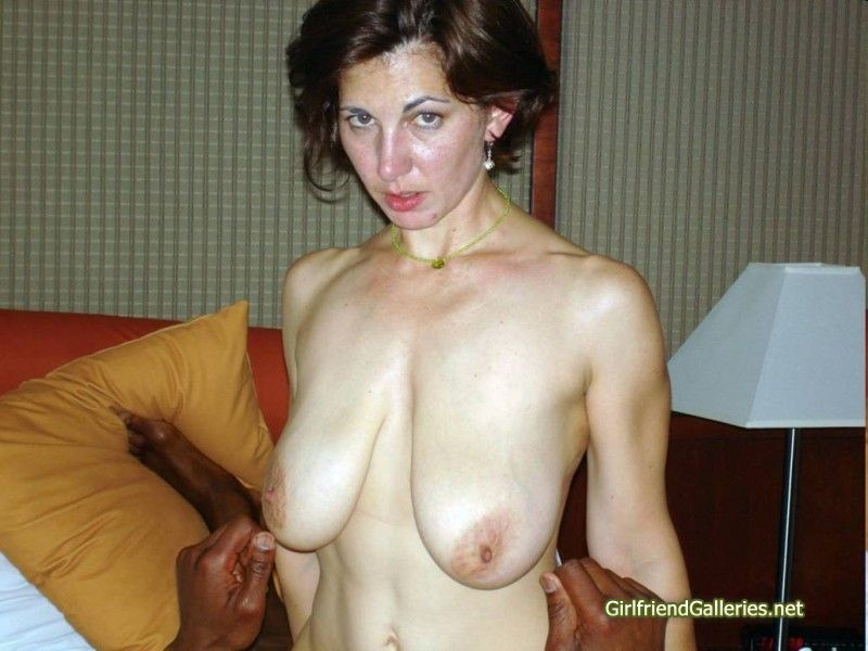Milf wth nicely saggy tits