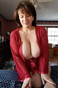 Mature Amateur That Gives Great Head