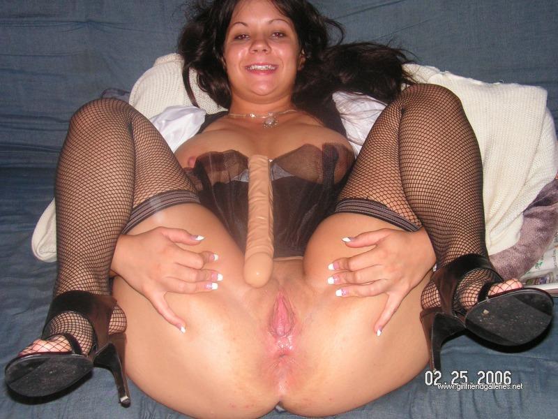 galerie amateur spreading legs wife