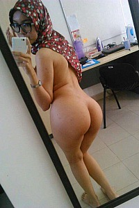 Hijabi Hotwife Stripping Nude Selfies