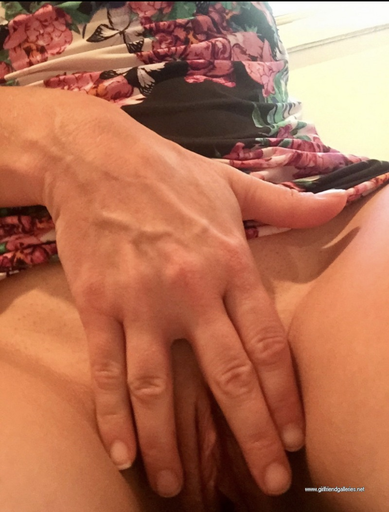 My sexy lady leave some comments and dedicate a load just for he