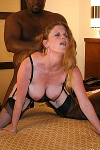 BLONDE GIRL VX BLACK MEN 3