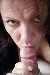 Mature Amateur That Gives Great Head 2