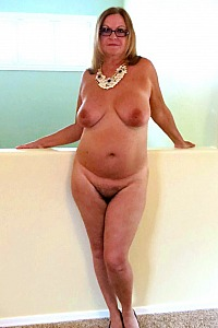 Mature Lady Strips Foe You