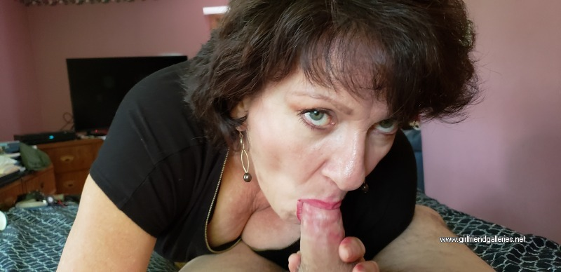 Mature Amateur That Gives Great Head 3