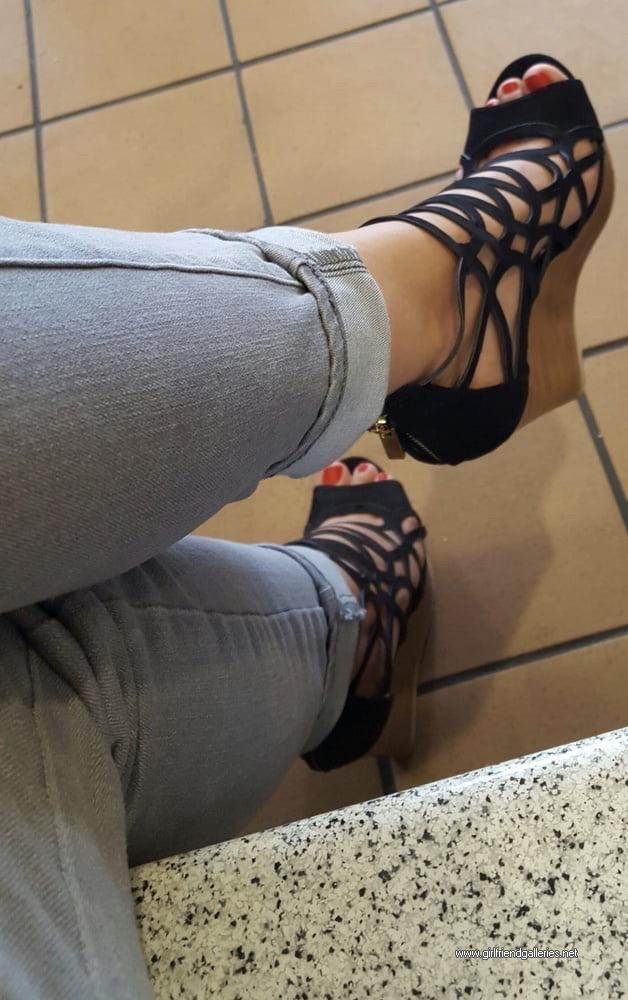 Lorena feet