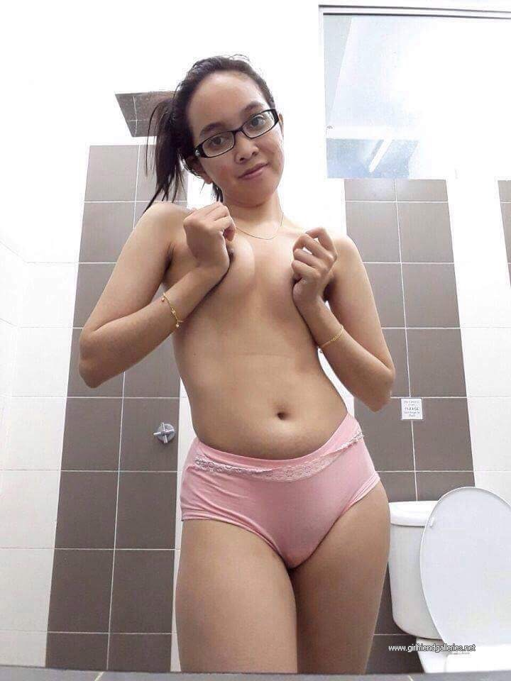 Nude Hotwife in Toilet