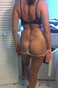 Fit Natural Wife
