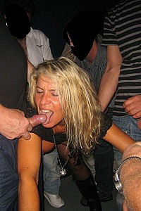 SLUT BLONDE MILF