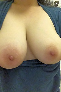 Indo girl enjoys flashing big boobs