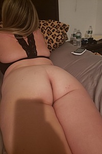 blonde pawg milf big ass comment for more