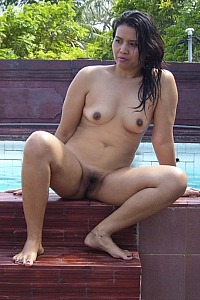 Hien show her body with nude swimming pool