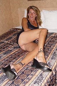 Hot canadien exhibitionist who like black dick